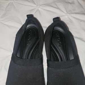 Crocs slip on shoes